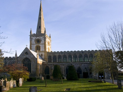 800px-Stratford_upon_Avon_church_N_R.jpg